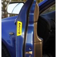 Светоотражающая наклейка  на авто «дверь открыта»